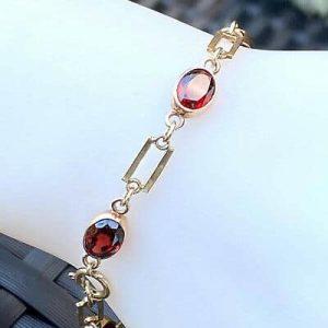 "Gorgeous Vintage, 9ct, 9k, 375 Gold Garnet bracelet, Length 7"" / 18cm, Date:1982"