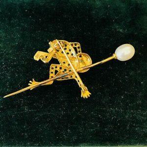 Edwardian style Peridot, Diamond & Pearl frog (playing a banjo) brooch, pin