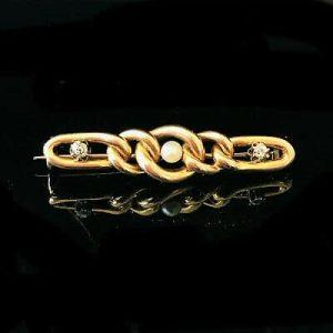 Pretty, Edwardian 15ct, 15k, 625 Gold Pearl & Diamond chain link design brooch