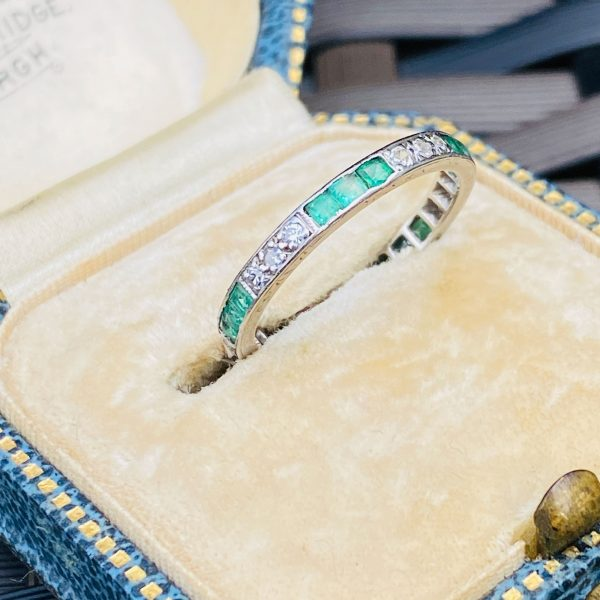 emerald and diamond eternity ring