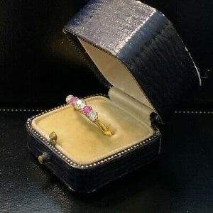 Vintage 18ct, 18k, 750 gold Ruby & old-cut Diamond five stone engagement ring
