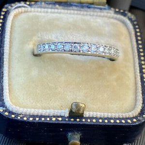 Stunning, 18ct, 18k, 750 gold, Diamond 0.42ct half eternity, anniversary ring