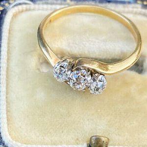 Art Deco 18ct, 18k, 750 Gold old-cut Diamond 0.40ct three stone engagement ring