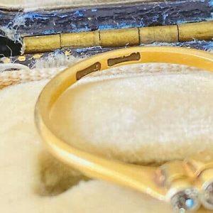 Art Deco 18ct, 18k, 750 Gold old-cut Diamond 0.14ct trilogy engagement ring