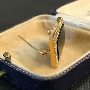 Art Deco, 18ct, 18k, 750 Gold, Black Onyx and Diamond (1.12ct) brooch, pin C1920