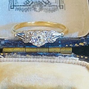 Pretty, Art deco, 18ct, 18k, 750 Gold, solitaire Diamond engagement ring, C1920