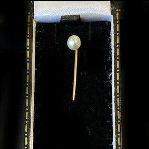 Edwardian 14ct, 14k, 585 Gold solitaire natural 5mm Pearl stick, tie, cravat pin