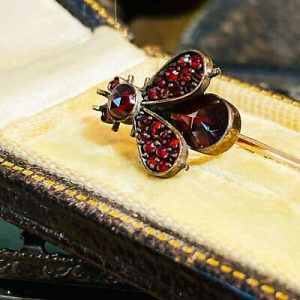 Victorian 15ct, 15k, Rose Gold Bohemian Garnet Bug, fly, insect stick, tie pin