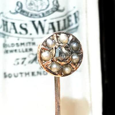Victorian 15ct, 15k, 625 Gold Pearl & Diamond stick, tie, cravat pin in box