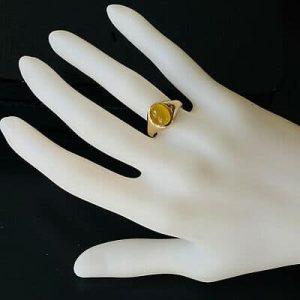 Vintage 9ct, 9k, 375 gold cabachon Tigers, cats eye signet ring, Birmingham 1975