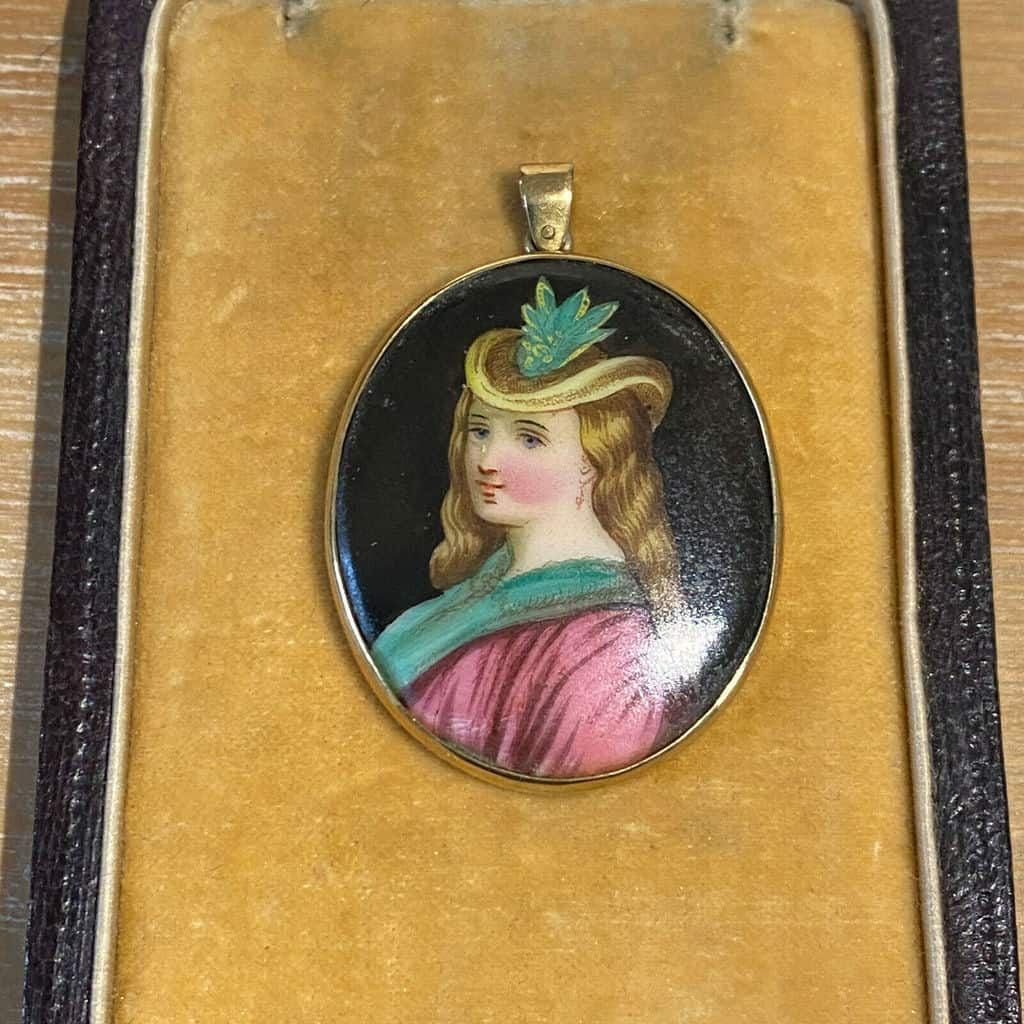 Victorian 14ct Gold Minature portrait Pendant of a young Victorian lady, C1880