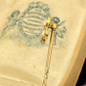 Victorian 15ct, 15k, 625 Gold trefoil Pearl & Diamond stick,tie,cravat pin C1895