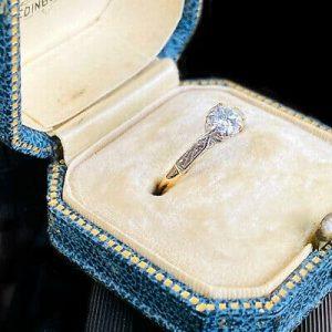 Art Deco 18ct/k, Gold & Platinum Diamond solitaire 0.36ct engagement ring C1920