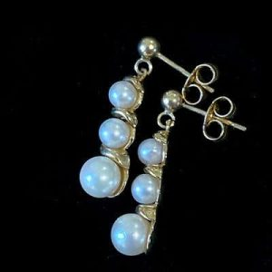 Vintage 9ct, 9k, 375 Gold Cultured, Saltwater Pearl drop, dangle Earrings