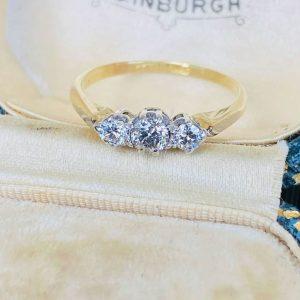 Edwardian 18ct/k, 750 Gold & Platinum, Diamond 0.25ct engagement ring C1910