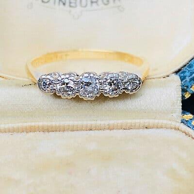Retro 18ct, 18k, 750 Gold & Platinum, Diamond Five Stone engagement Ring, C1940s
