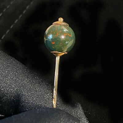 Victorian 15ct, 15k, 625 Rose Gold Bloodstone stick, tie, cravat, lapel pin
