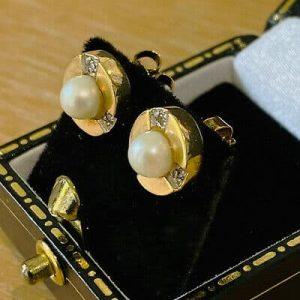 Vintage 9ct, 9k, 375 Gold Cultured Pearl & Diamond Earrings by Maker W & K C1980