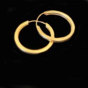 Vintage 9ct, 9k, 375 Gold, hoop Earrings, Width: 20.8mm, fully hallmarked.