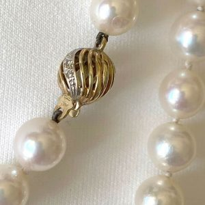 Cultured Akoya, Saltwater Pearl necklace with 3 x 14ct gold & Diamond ball clasp