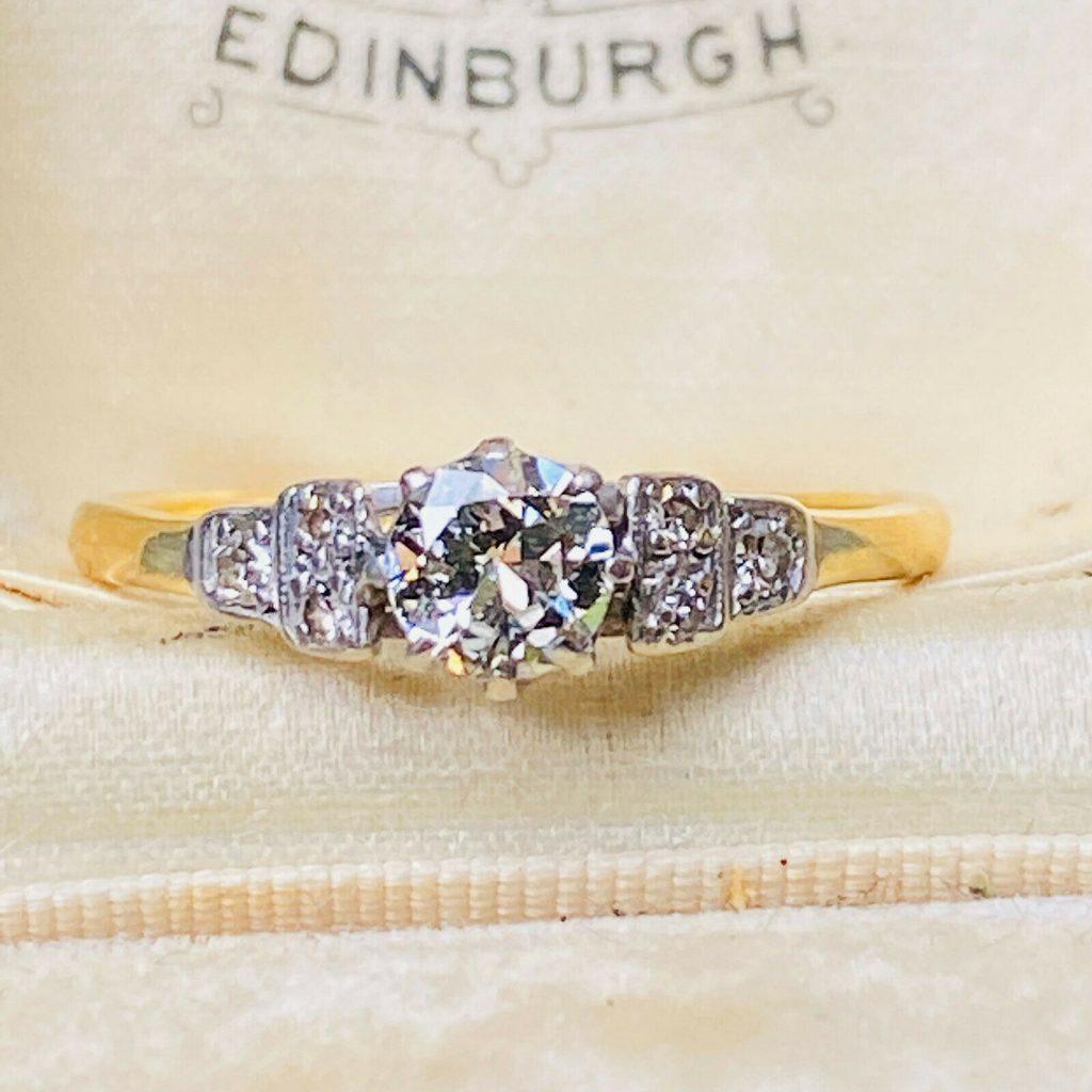 Art Deco, 18ct/18k, 750 Gold & Platinum, Diamond Solitaire engagement ring C1920