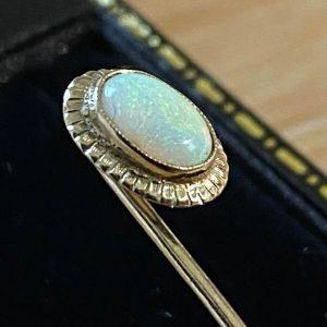 Vintage 18ct, 18K, 750 Gold Opal, Stick, tie, cravat, lapel pin in new box