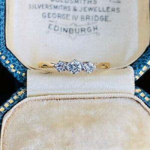 Art Deco 18ct/18k, 750 Gold & Platinum Diamond 0.25ct 3-Stone engagement Ring