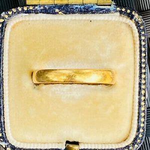 Victorian 22ct, 22k, 980 solid yellow gold court wedding ring, Birmingham 1855