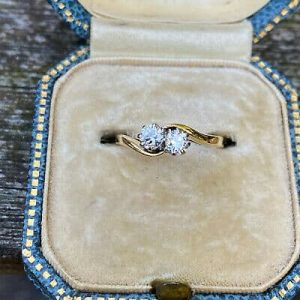Vintage 18ct/18k 750 Gold Diamond 0.38ct romantic 'toi' et 'moi' engagement ring