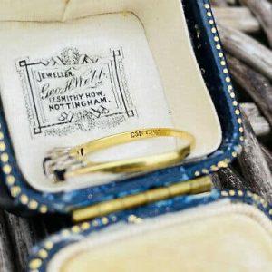 Vintage 18ct, 18k, 750 Gold & Plat, Sapphire & Diamond 0.45ct engagement Ring