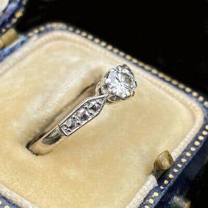 Art Deco 18ct/18k, 750 gold & Platinum old-cut Diamond solitaire engagement ring