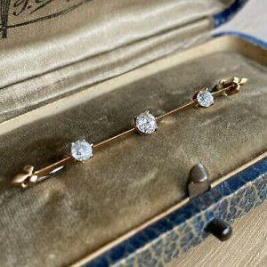 Art Deco, 14ct, 14k, 585 Gold Diamond 0.55ct bar brooch, tie pin Circa 1920