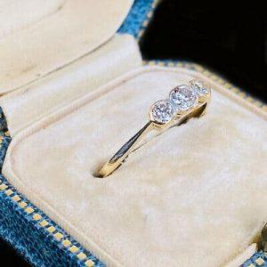 Art Deco 18ct, 18k, 750 Gold & Platinum Diamond 0.40ct three Stone Ring C1920
