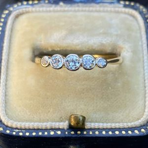 Art Deco 18ct, 18k, 750 Gold & Platinum, Diamond 0.25ct 5 stone engagement ring
