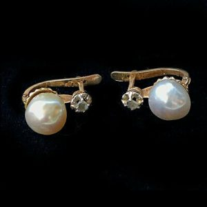 Art Deco 18ct Gold Pearl and Diamond Earrings with post & hinge fittings, C1920
