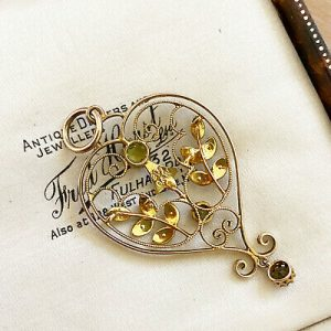 Art Nouveau 9ct, 9k, 375 Gold Peridot and seed pearl heart, lavaliere pendant