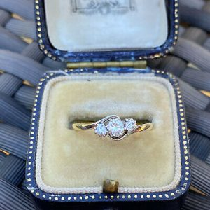 Antique 18ct/18k, 750 Gold & Platinum Diamond 0.24ct 3-stone twist ring