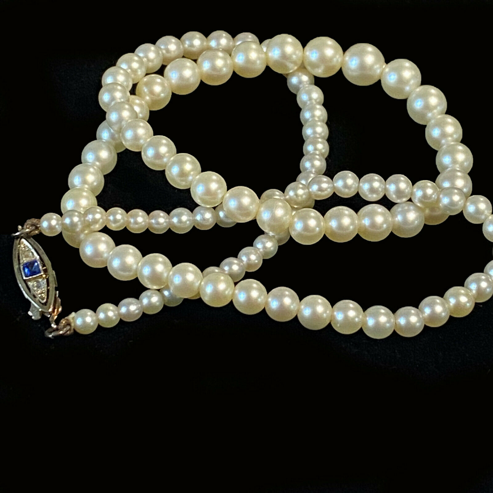 Classic, Cultured Saltwater Pearl necklace on 18ct Gold Sapphire & diamond clasp