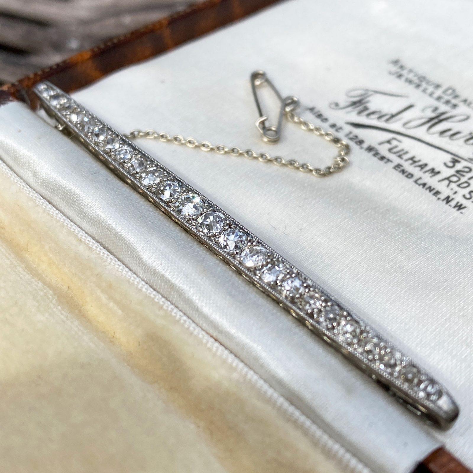 Exquisite, Edwardian, 18ct, 18k, 750 white gold 1.15ct Diamond line bar brooch, Circa 1910