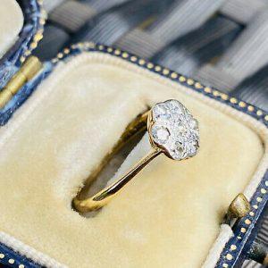 Art deco, 18ct, 18k, 750 Gold, Diamond, Daisy, cluster engagement ring, C1915