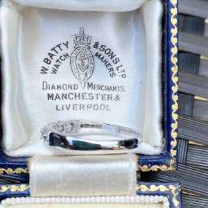 Stunning 18ct, 18k, 750 White gold five stone diamond 0.50ct half Eternity ring
