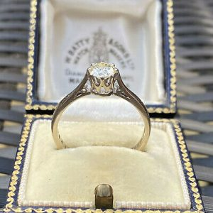 Vintage, 18ct, 18k, 750 White gold Diamond 0.66ct solitaire engagement ring