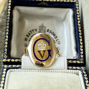 Antique, 9ct, 9k, 375 Gold and Enamel signet George V and crest ring, Circa 1920