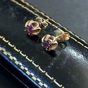 Pretty,Vintage 9ct/9k, 375 Gold Garnet stud Earrings with post & scroll fittings