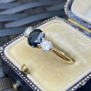 Vintage 18ct, 18k, 750 Gold & Platinum, Sapphire & Diamond 2.17ct, trilogy ring