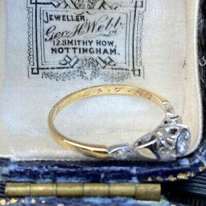 Art Deco 18ct/18k, 750 Gold & Platinum, Diamond solitaire 0.20ct engagement ring