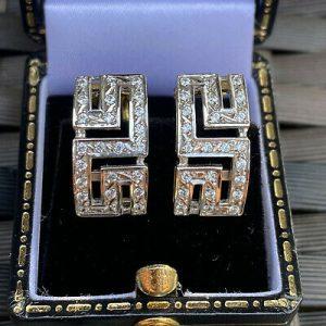 Stunning 18ct, 18k, 750 gold Diamond greek key design earrings
