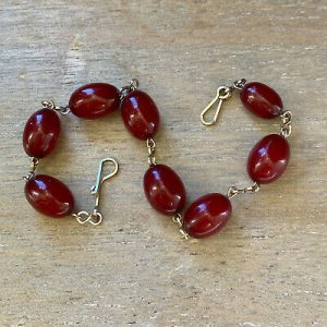 """Vintage, Cherry Amber & Silver chain bracelet, Length : 7.5"""" / 19cm, weight 7.4g"""
