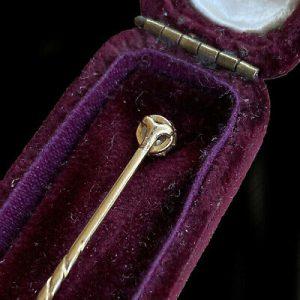 Edwardian 15ct/15k, 625 Gold old-cut Diamond (0.28ct) Stick,tie,cravat,lapel pin