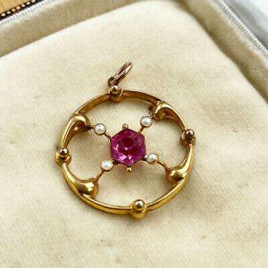 Pretty, Art Nouveau 9ct, 9k, 375 Gold Pink Paste & seed pearl lavaliere pendant